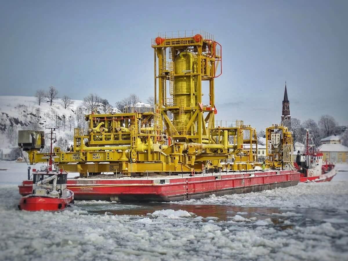 Subsea separator